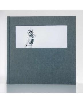 Silverbook 30x30cm with Landscape Window